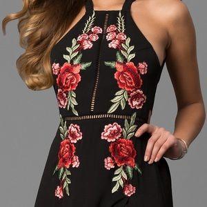 Dresses & Skirts - Floral Black Formal Dress